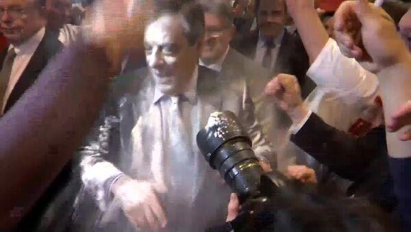 Fransa'da cumhurbaşkanı adayı Fillon'a protesto - Sputnik Türkiye