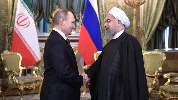 Rusya Devlet Başkanı Vladimir Putin- İran Cumhurbaşkanı Hasan Ruhani - Sputnik Türkiye