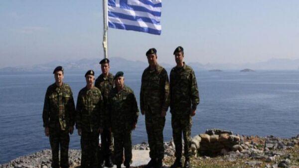 Yunanistan Kara Kuvvetleri Komutanı Korgeneral Stefanis'den Kardak'lı hatıra fotoğrafı - Sputnik Türkiye