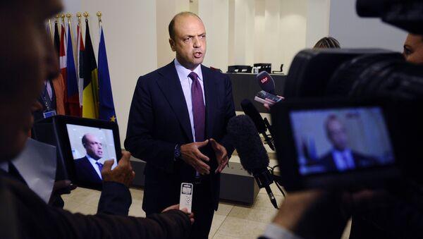 Italian Minister of Interior Angelino Alfano (File) - Sputnik Türkiye