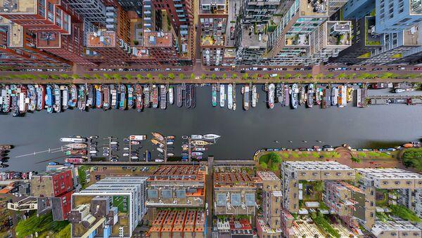 Hollanda'nın başkenti Amsterdam'ın Westerdok bölgesi. - Sputnik Türkiye