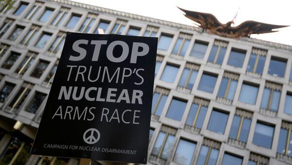 Londra'da ABD saldırıları protesto edildi - Sputnik Türkiye