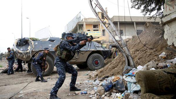 Irak ordusu mensubu Musul'da IŞİD'e karşı savaşıyor - Sputnik Türkiye