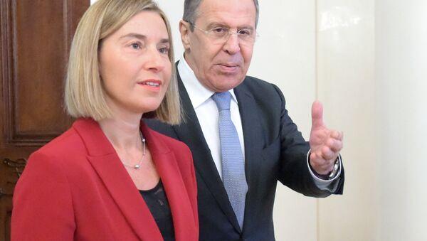 Rusya Dışişleri Bakanı Sergey Lavrov ile Avrupa Birliği (AB) Dışişleri ve Güvenlik Politikaları Yüksek Temsilcisi Federica Mogherini - Sputnik Türkiye