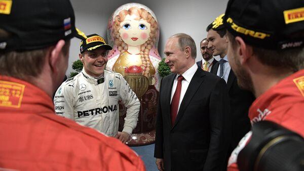 Rusya Devlet Başkanı Vladimir Putin - Fin pilotu Valtteri Bottas - Sputnik Türkiye