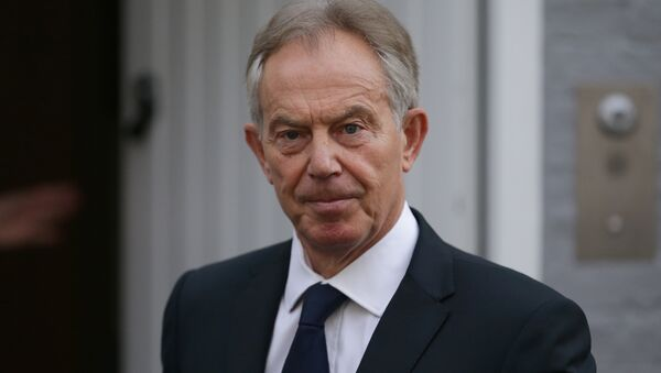 Former British Prime Minister Tony Blair leaves his home in London on July 6, 2016 - Sputnik Türkiye