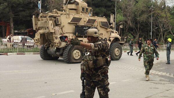 Afganistan'da NATO askeri konvoyuna bombalı saldırı. - Sputnik Türkiye