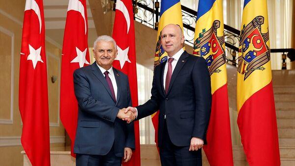 Başbakan Binali Yıldırım ve Moldovalı mevkidaşı İgor Dodon - Sputnik Türkiye