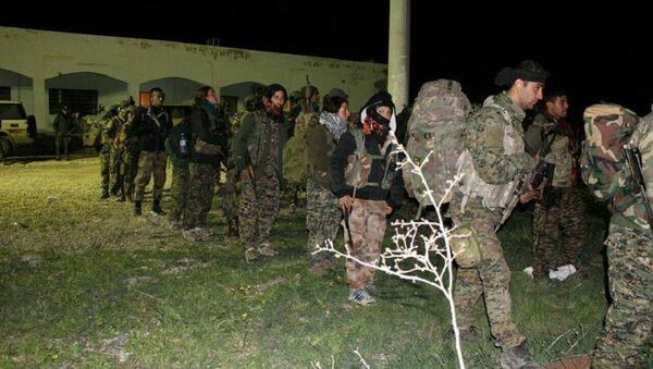 Suriye'nin kuzeyinde YPG savaşçıları - Sputnik Türkiye