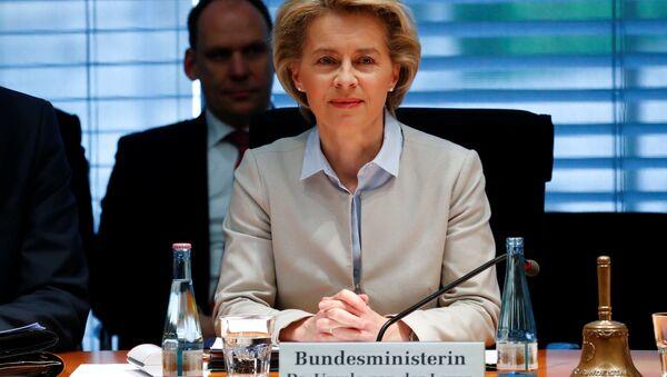 Almanya Savunma Bakanı Ursula von der Leyen - Sputnik Türkiye