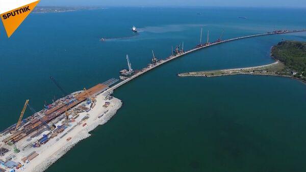 Kırım Köprüsünün inşaatı tam hızla sürüyor - Sputnik Türkiye