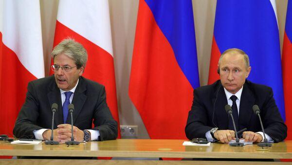 Rusya Devlet Başkanı Vladimir Putin, İtalya Başbakanı Paolo Gentiloni ile görüştü. - Sputnik Türkiye
