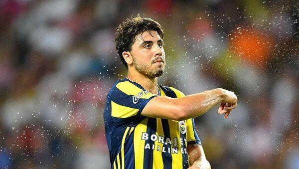 Fenerbahçeli futbolcu Ozan Tufan - Sputnik Türkiye