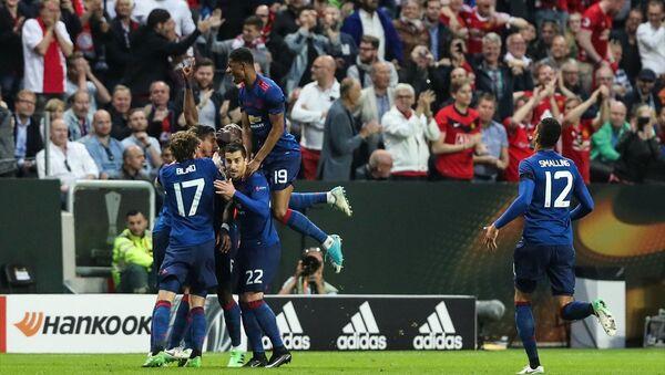 Manchester United, UEFA Avrupa Ligi finalinde Ajax'ı 2-0 yenerek şampiyon oldu - Sputnik Türkiye
