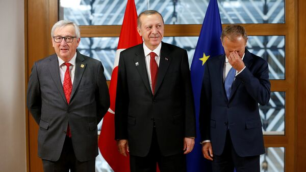 Cumhurbaşkanı Recep Tayyip Erdoğan, Avrupa Komisyonu Başkanı Jean-Claude Juncker ve Avrupa Konseyi Başkanı Donald Tusk ile birlikte - Sputnik Türkiye