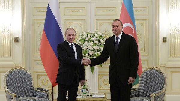 Azerbaycan Cumhurbaşkanı İlham Aliyev- Rusya Devlet Başkanı Vladimir Putin - Sputnik Türkiye