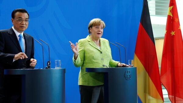 Angela Merkel - Li Keqiang - Sputnik Türkiye