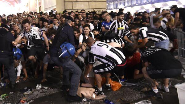 Torino'da yaşanan izdiham - Sputnik Türkiye