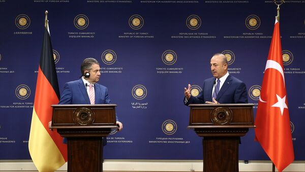 Almanya Dışişleri Bakanı Sigmar Gabriel ve Dışişleri Bakanı Mevlüt Çavuşoğlu - Sputnik Türkiye