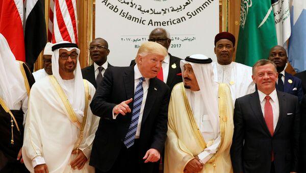 Donald Trump- Suudi Kralı Selman - Sputnik Türkiye