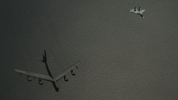 Rus uçağının ABD uçağına önleme yaptığı anın görüntüleri yayınlandı - Sputnik Türkiye