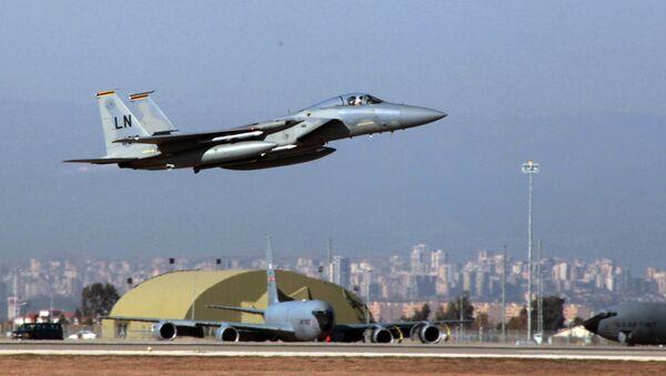 F15 jeti havalanıyor - Sputnik Türkiye