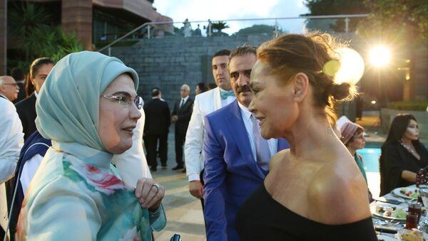 Emine Erdoğan - Hülya Avşar - Sputnik Türkiye