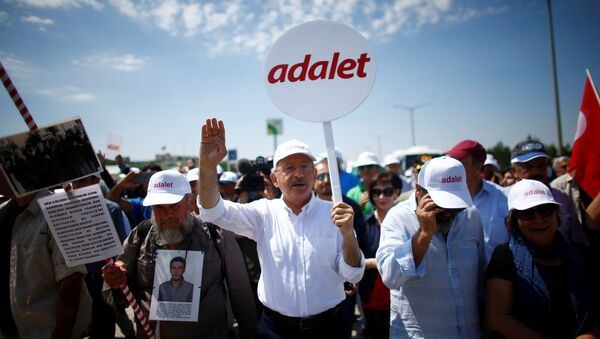 CHP Genel Başkanı Kemal Kılıçdaroğlu, 'Adalet Yürüyüşü'nde - Sputnik Türkiye