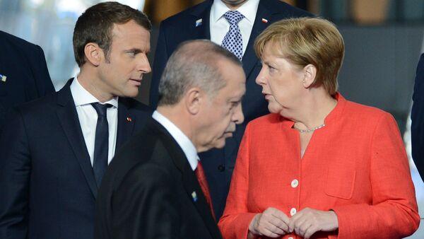 Angela Merkel - Emmanuel Macron - Recep Tayyip Erdoğan - Sputnik Türkiye