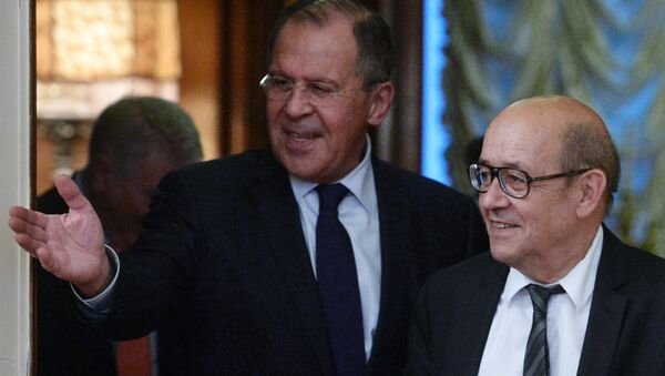 Rusya Dışişleri Bakanı Sergey Lavrov- Fransa Dışişleri Bakanı Jean-Yves Le Drian - Sputnik Türkiye