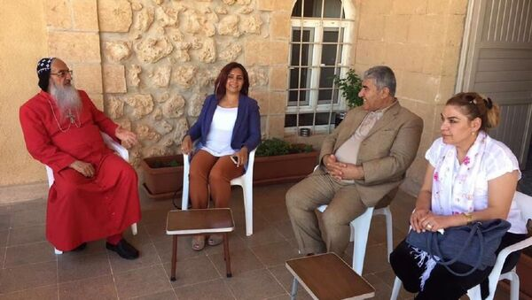 CHP heyeti Mardin'de Süryani cemaati ile görüştü - Sputnik Türkiye