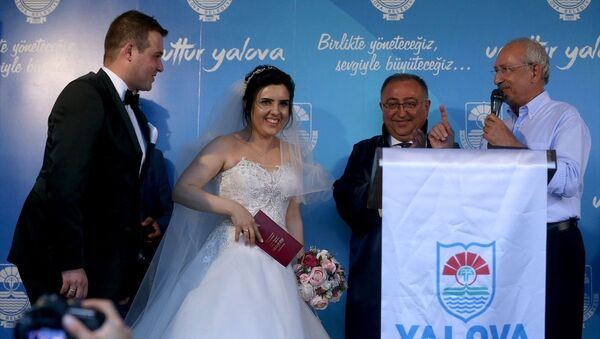 CHP Genel Başkanı Kemal Kılıçdaroğlu nikah şahidi oldu - Sputnik Türkiye