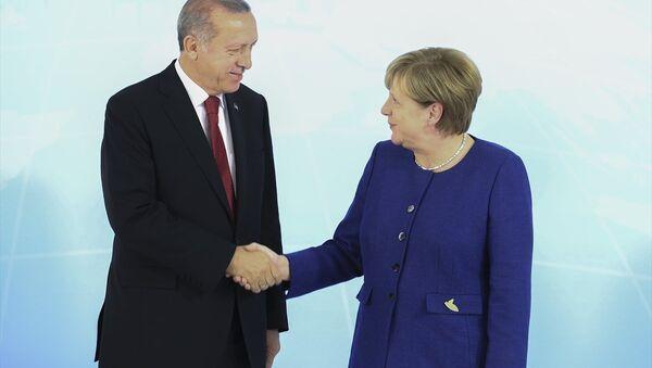 Cumhurbaşkanı Recep Tayyip Erdoğan ile Almanya Başbakanı Angela Merkel - Sputnik Türkiye