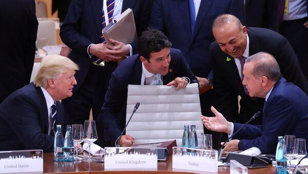 Cumhurbaşkanı Recep Tayyip Erdoğan, ABD Başkanı Donald Trump ile G20 Zirvesi'nde - Sputnik Türkiye