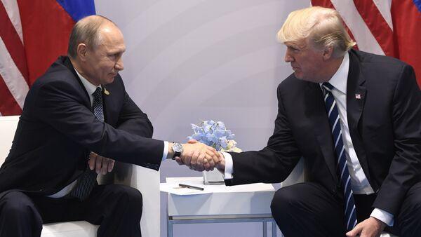 Rusya Devlet Başkanı Vladimir Putin - ABD Başkanı Donald Trump - Sputnik Türkiye