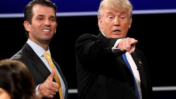 Donald Trump Jr. ve Donald Trump - Sputnik Türkiye