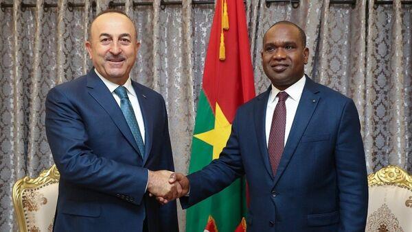 Dışişleri Bakanı Mevlüt Çavuşoğlu - Burkina Faso Dışişleri, İşbirliği ve Yurtdışı Burkinalılar Bakanı Alpha Barry - Sputnik Türkiye