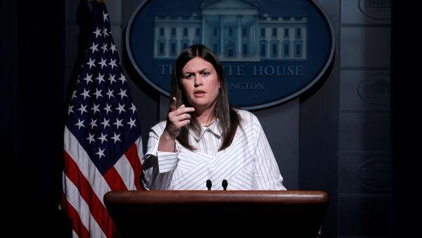 Beyaz Saray Sözcüsü Sarah Huckabee Sanders - Sputnik Türkiye