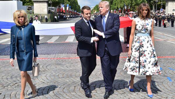 ABD Başkanı Donald Trump, Fransa Cumhurbaşkanı Emmanuel Macron, Bastille Günü - Sputnik Türkiye