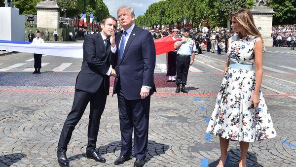 ABD Başkanı Donald Trump, Fransa Cumhurbaşkanı Emmanuel Macron - Sputnik Türkiye