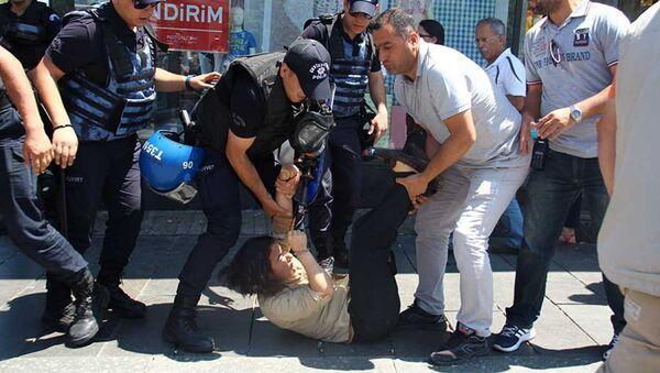 Nuriye Gülmen ve Semih Özakça eyleminde polis müdahalesi - Sputnik Türkiye