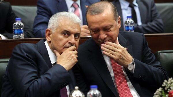 Başbakan Binali Yıldırım- Cumhurbaşkanı Recep Tayyip Erdoğan - Sputnik Türkiye