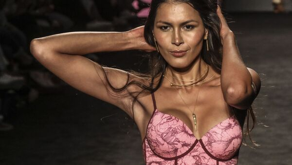 Kolombiya'da, 25-27 Temmuz günleri, Medellin Moda Haftası (Medellin's Fashion Week) yapılıyor. - Sputnik Türkiye