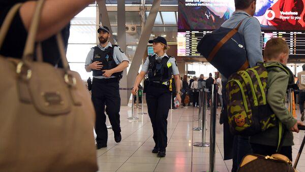 Sydney Havalimanı'nda polis - Sputnik Türkiye