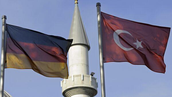 Almanya- Türkiye- Bayrak- Cami - Sputnik Türkiye
