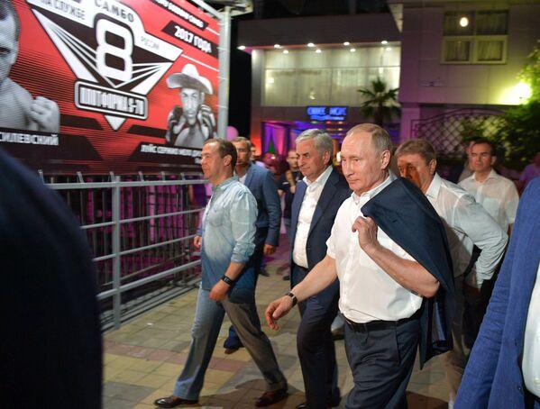 Putin Soçi'deki sambo turnuvasında - Sputnik Türkiye
