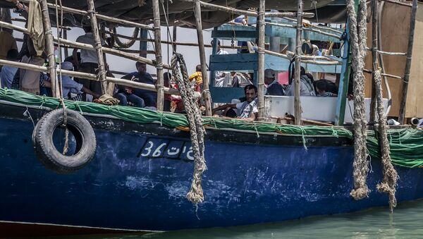 Yemen'deb Cibuti'ye gitmeye hazırlanan bir sığınmacı teknesi - Sputnik Türkiye