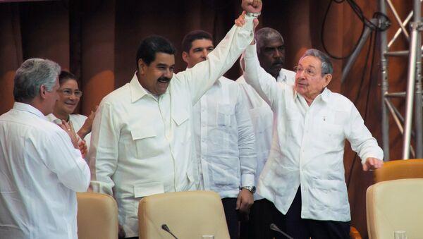 Raul Castro- Nicolas Maduro - Sputnik Türkiye