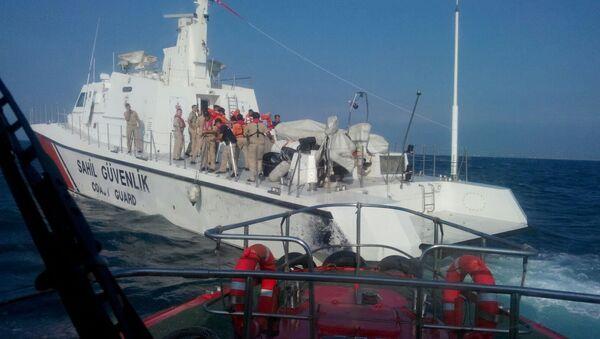 Yük gemisi İskenderun Körfezi'nde su almaya başladı - Sputnik Türkiye