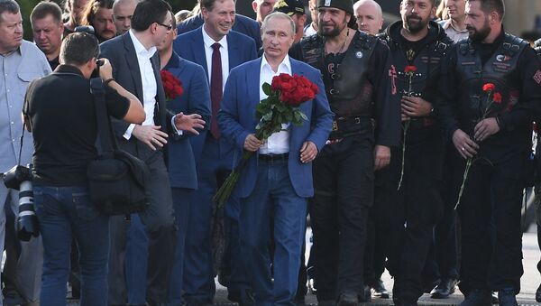 Rusya Devlet Başkanı Vladimir Putin- Gece Kurtları - Sputnik Türkiye